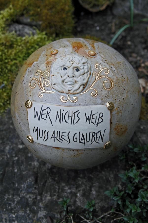 1-wernichts_weiss